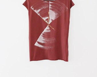Red wine shirt, Handmade t shirt, burgundy hand printed shirt, Abstract printed red T