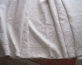 Large French pure linen sheet, superb hand stitched decoration. Unused, wonderful!  Fabulous bedding, curtain, blind, tablecloth, decor