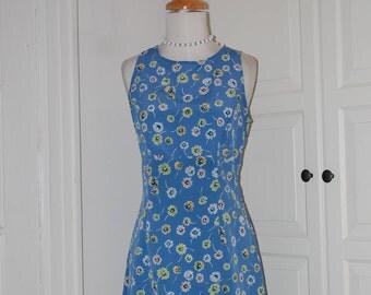 """70s Blue/Gray Mini, Floral, Summer, Sleeveless, Lightweight, Size Medium, Bust 35"""""""
