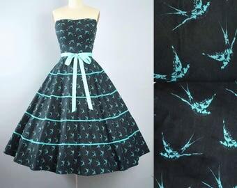 Vintage 50s NOVELTY Print Dress / 1950s Cotton Sundress Strapless ATOMIC BIRD Mint Blue Green Full Skirt Pinup Garden Party Small Medium S M