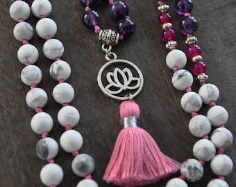 Collier à pompon - Fleur de lotus - Améthyste - Howlite - Agate magenta - Bijou yoga - Coco Matcha
