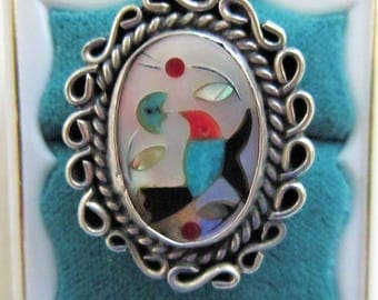 Zuni Mother of Pearl Sterling Ring Inlaid With Bird Hummingbird Size 7 Vintage  Hallmarked E Very Good Condition