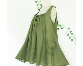 """Pleated Sleeveless Cotton Summer Top with pockets, Scoop Neck Loose Fit Tank Top in Green, Bust 38"""""""