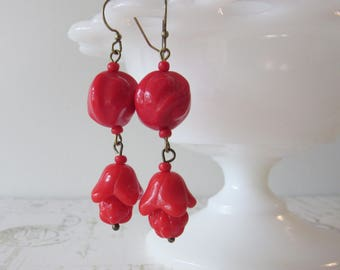 Art Deco Glass Dangles in Cherry Red // Flapper Earrings, 1920s