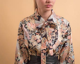 70s Ascot Top / 70s Pointy Collar Top / Boho Printed Blouse / 70s Floral Top Δ size: M/L
