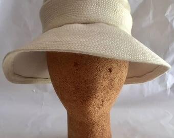 Vintage 1960s Women's Otto Lucas Beige Faux Fur Cloche Hat