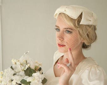 Vintage white 1950s hat, veil, bows pillbox fascinator netting, wedding bridal formal pin-up mid-century