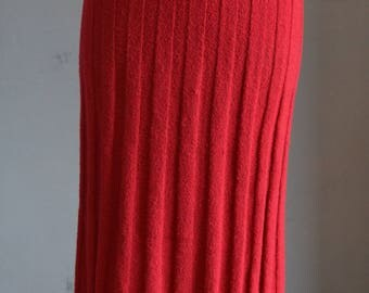1940s Cranberry Ribbed Knit Skirt