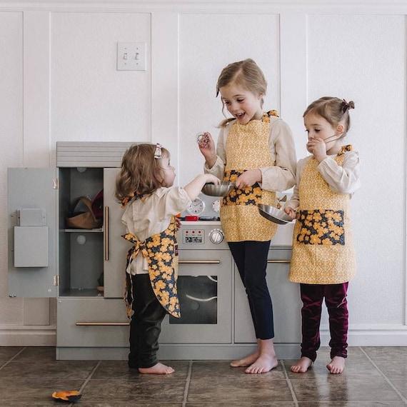 Apron with Pocket- Yellow Apron size 2T- Organic Cotton Apron - Reversible Apron - Childrens Apron- Toddler Kitchen Apron- play kitchen