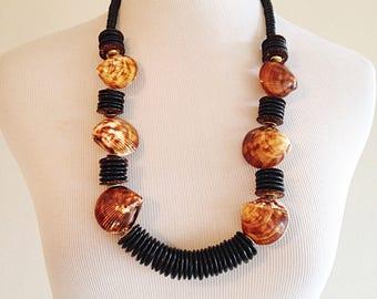 Vintage 1980s Tiki Tribal Shell Necklace