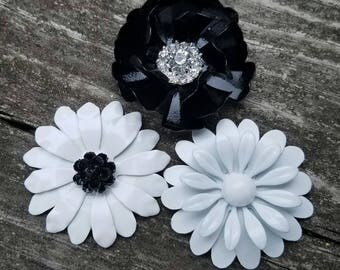 Black and White Magnet Set Small Refrigerator Magnets Black and White Metal Enamel Flower Fridge Magnets Back to School Locker Magnets MAG8
