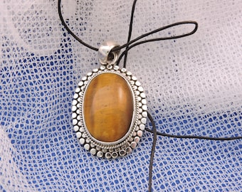Yellowstone Montana Hand Made by Indian Sterling Silver Tiger Eye Pendant Leather Cord.