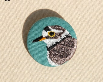 Little embroidered bird brooch, small Gravelot
