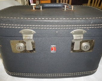 Gray Neverbreak Luggage Train Case Travel Case Cosmetic Case Vintage Overnight Case