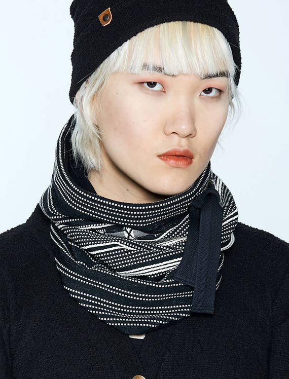 MYSKI - plain neckwarmer for winter, scarf lined in polar for womens - black striped