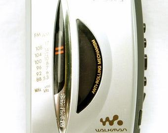 Vintage Sony Walkman Cassette am fm Radio Player Portable MegaBass WM FX195 Tested & Works Silver Grey Mega Bass