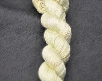 Aurora 2 ply lace - Lime blossom