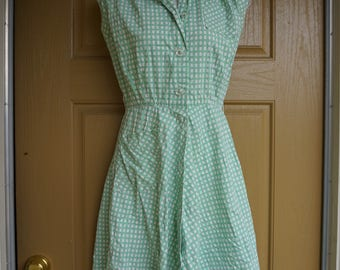 Vintage 1960s green summer dress mid century buttons in the front size S small
