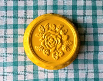 Yellow Rose Round Cake Jello Mold Pan - Kitchen Wall Decor Metal Pudding Mould - 10 inch