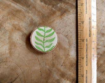 Fridge Magnet, Leaf Print on Wood Magnet | Hand printed wood slice magnet, woodland gift under 10, nature magnet, nature gift, nature decor.