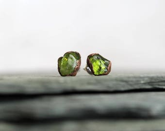 Peridot Earrings Polished Peridot Studs Sterling Silver Studs Leo Stone Electroformed Earrings Copper Jewelry Gemstone Jewelry Natural Stone