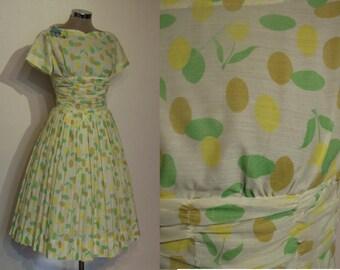 """Super sweet 1950s semi sheer print full skirted dress waist 25"""" w/wide ruched midriff"""
