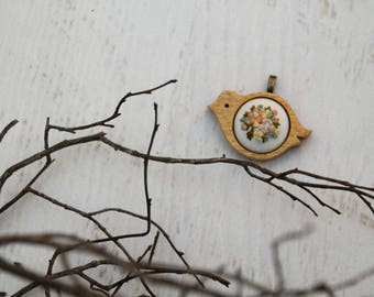 Light Wooden Hand Carved Bird Hand Embroidered Necklace Pendant - Spring Bouquet Peach Cream Coral Rose Flowers - Cotton