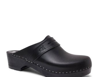 Black Leather Clogs / Handmade Clogs for Men / Strap Leather Shoes / Swedish Clogs / Mules / Mens Clogs / Sandgrens / Stöten