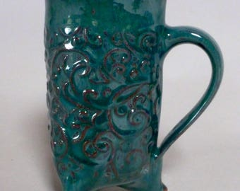 Green Mug, Functional Ceramic Mug, Earthenware Cup, Coffee Cup, Tea Mug, Hot Chocolate Mug, Unique Mug, Tripod Feet, Clay Mug, Pottery Mug