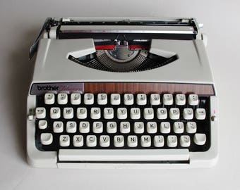 Typewriter - Brother Deluxe 900, fully working. Brand new ribbon.