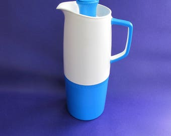 Vintage vacuum thermos insulated jug. Great shape and colour. Stylish and very practical.