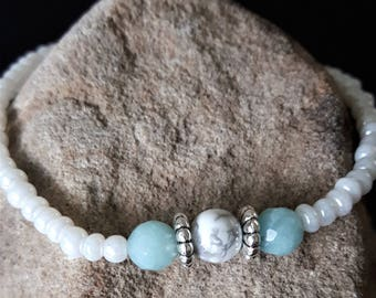 Healing Gem Bracelet with Howlite and Amozonite gemstones
