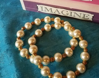 Pearl Bracelet With Gold Beads