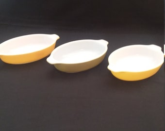 3 Pyrex 10 oz. Individual #700 Oval Casseroles