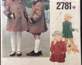 Vogue 2781 - Child's Button Front Coat with Contrast Collar and Welts -  Size 4 Chest 23
