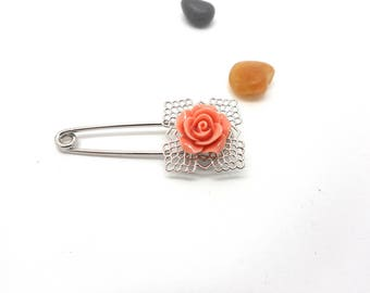 Silver pin brooch vintage flower cabochon old pink charms and co.