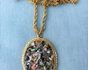 EXQUISITE - Vintage 1970s Large Oval Gold-tone Abalone Chippings Pendant