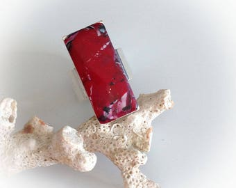 Ring, red, rectangular, polymer clay, metal