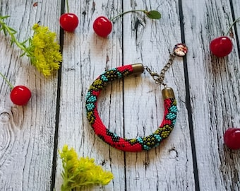 Red black green blue bead crochet rope bracelet beaded jewelry spiral crocheted rope beadweaving seed bead jewelry flowery beaded bracelet