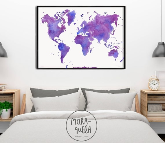 Violet, Pink and Blue hues World map watercolor. Mapa del mundo tonalidades rosa, violeta y azul en acuarela