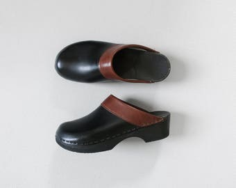 vintage leather clogs / 90s two-tone low heel clog shoes / womens EU 39 US 8 - 8.5