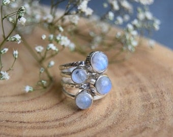 Moonstone Ring, Sterling Silver Ring, Boho Ring, Size 6,5 ring, Moonstone Jewelry, Gemstone Ring, Handmade Jewelry,Gift for women,white ring