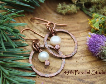 Freshwater Pearl Copper Earrings, Handcrafted Copper Pearl Earrings, Cultured Pearl Jewelry, Rustic Pearl Jewelry, Pearl Copper Earrings