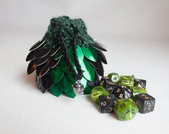 Dice Bag - Green and Black Scalemail D&D Pouch - Crocheted Coin Purse - Bag of Holding