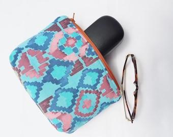 Make up bag, makeup bag, cosmetic bag, cosmetic case, zip bag, zip pouch, blue, diamonds, rhombus