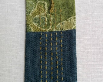 Bookmark embroidered on linen and Japanese fabric