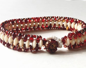 Unique-Gift-for-Wife, Gift-for-Her, Woman's Beaded Bracelet Red, Woman's Beaded Bracelet, Gift for Her, Gift for Friend, Gift for Mom