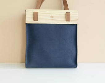 LOGGET Wooden Tote (Navy)