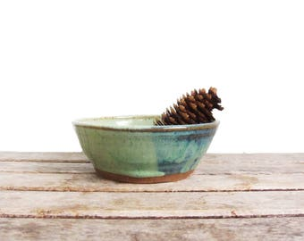 Vintage Studio Pottery Ceramic Bowl - Handmade Glazed Pottery - Signed Hand Thrown Folk Art - Small Fruit Bowl Cereal Bowl in Natural Colors