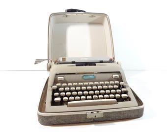 Vintage Typewriter / Mid Century Royal Heritage Portable Manual Typewriter with Original Case